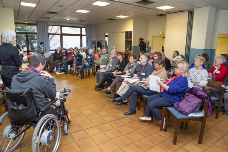 ARSLA 2015 - Rencontre annuelle des bénévoles de l'ARSLA du 31-01 et 01-02-2015 à Paris, Ici Marie-France Cazalère-Fouquin pendant son discours